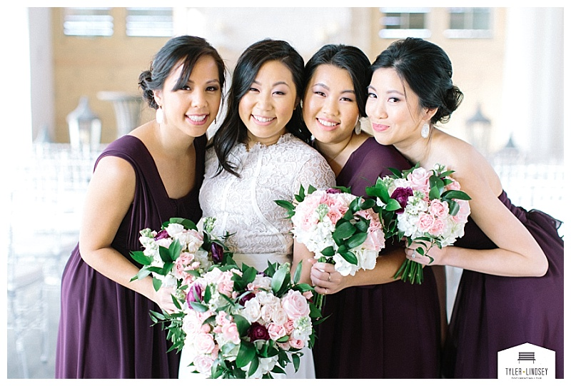 fall burgundy blush and white hidden pines texas wedding flowers